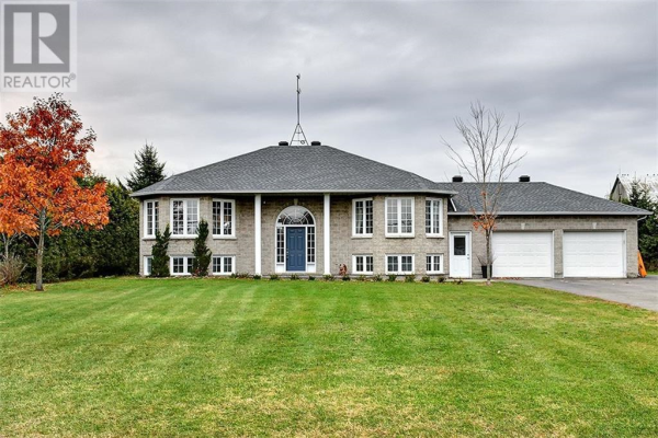 2518 STAGECOACH ROAD, Osgoode