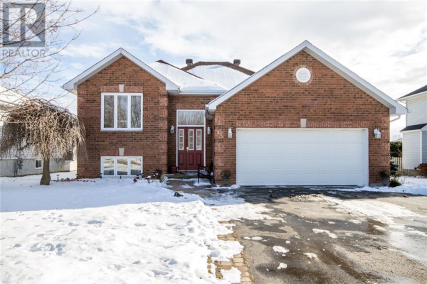38 GALE STREET, Almonte