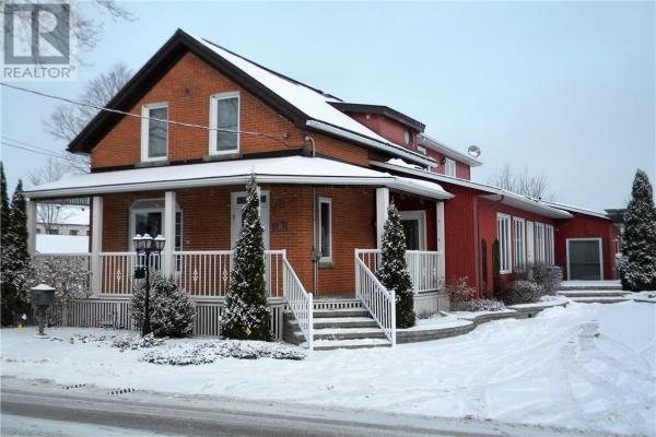 37 FRANCIS STREET, Carleton Place