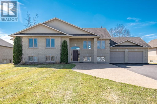 6926 LAKE FOREST WALK, Greely