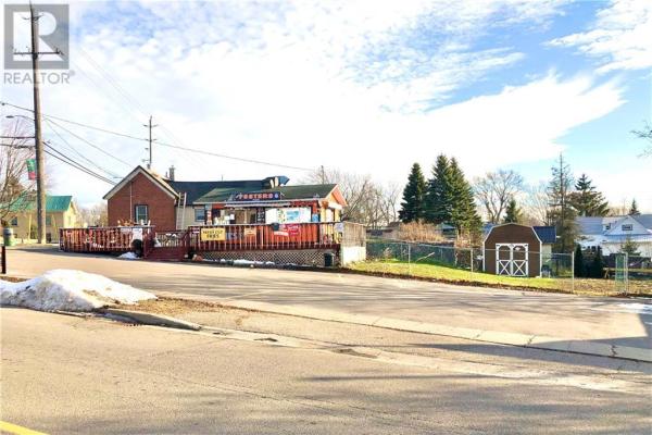 106 BROADWAY STREET W, Merrickville