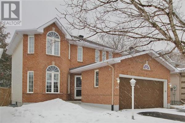 42 STEGGALL CRESCENT, Ottawa