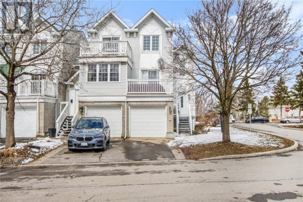 10 CASTLEGREEN PRIVATE, Ottawa