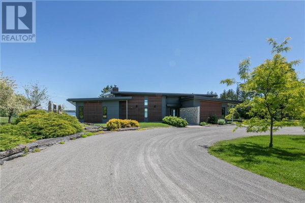 3451 FRONT ROAD, Hawkesbury