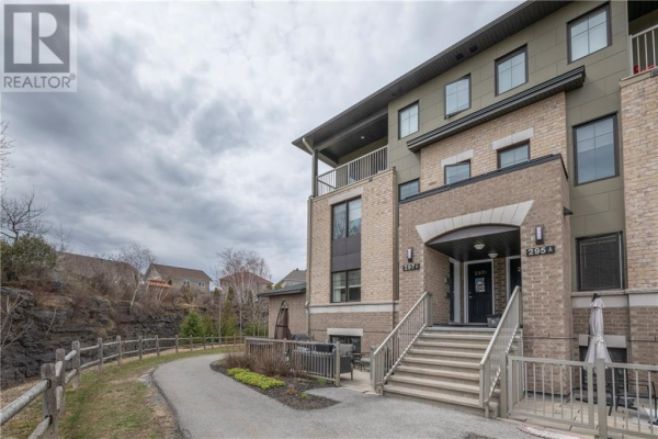 297A TITANIUM PRIVATE, Orleans
