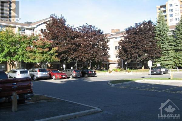 270 BRITTANY DRIVE UNIT#208, Ottawa