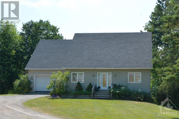2658 B RIVER ROAD, Manotick