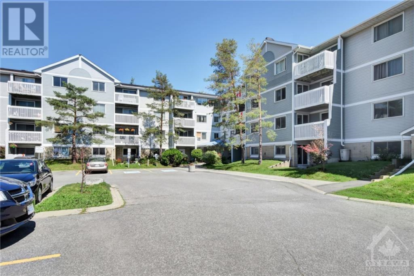 218 VIEWMOUNT DRIVE UNIT#412, Nepean