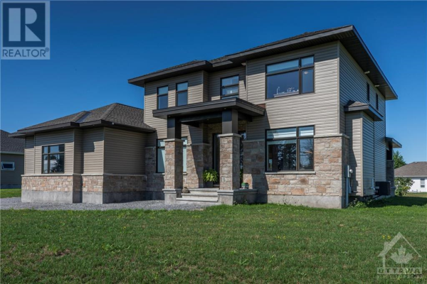 6488 PRINCE OF WALES DRIVE, North Gower