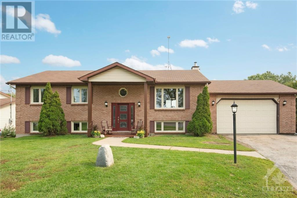 2577 STAGECOACH ROAD, Osgoode