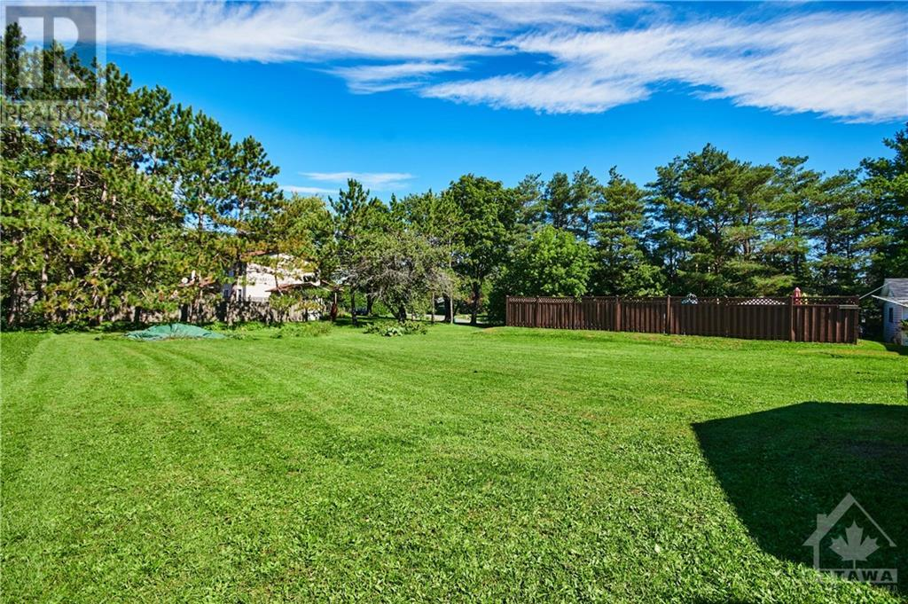 Listing 1210256 - Thumbmnail Photo # 25