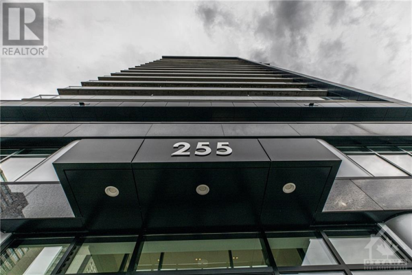 255 BAY STREET UNIT#1705, Ottawa