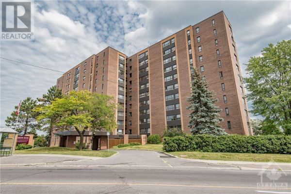 1356 MEADOWLANDS DRIVE E UNIT#901, Ottawa
