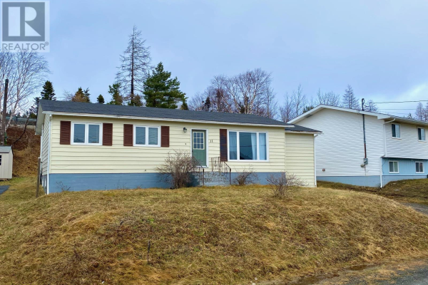 11 THORBURN Place, CLARENVILLE