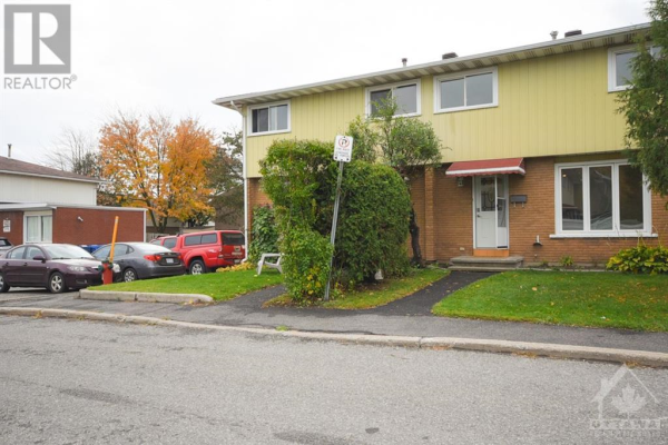 1295 LEDBURY AVENUE UNIT#32, Ottawa
