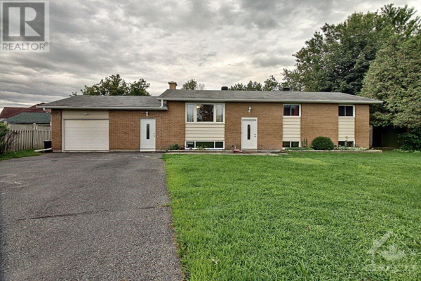 17406 18 COUNTY ROAD, South Stormont