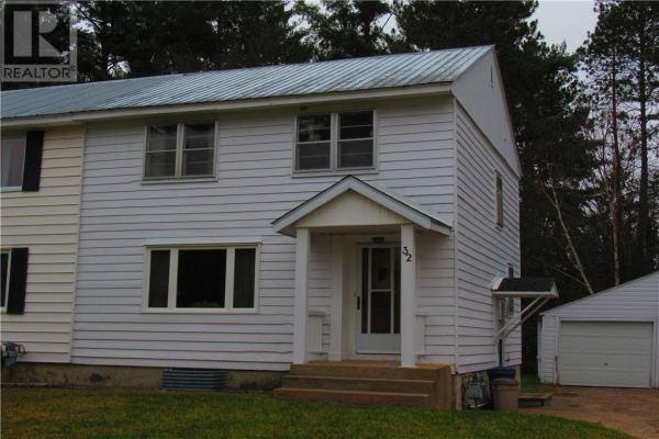 32 RUTHERFORD AVENUE, Deep River