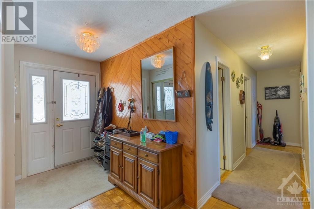 Listing 1220973 - Thumbmnail Photo # 3