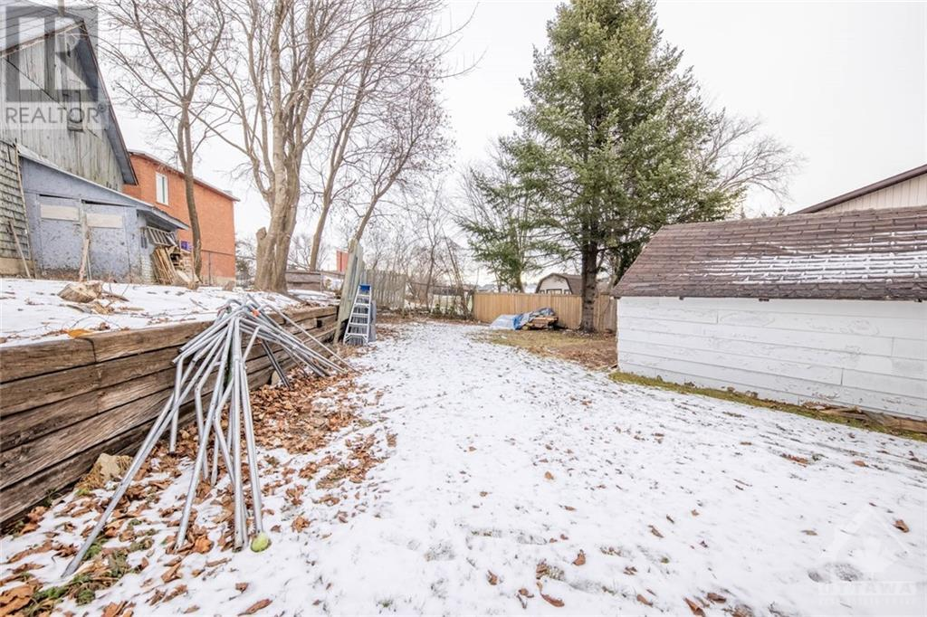 Listing 1222220 - Thumbmnail Photo # 12