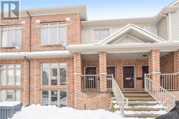 557 REARDON PRIVATE, Ottawa