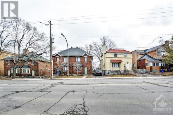 923-949 BRONSON AVENUE, Ottawa