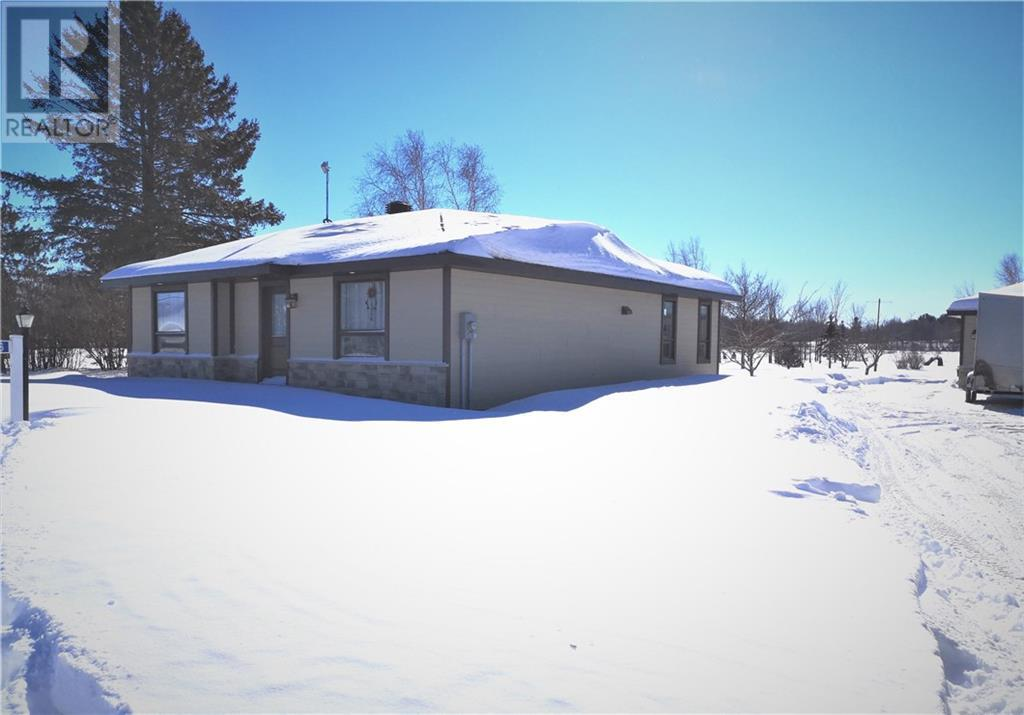 Listing 1226585 - Thumbmnail Photo # 4