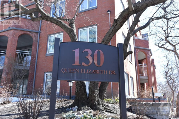 130 QUEEN ELIZABETH DRIVE UNIT#402, Ottawa