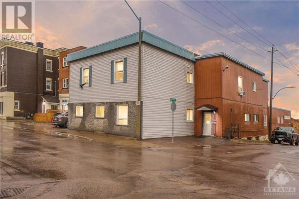 160 MACKAY STREET, Pembroke