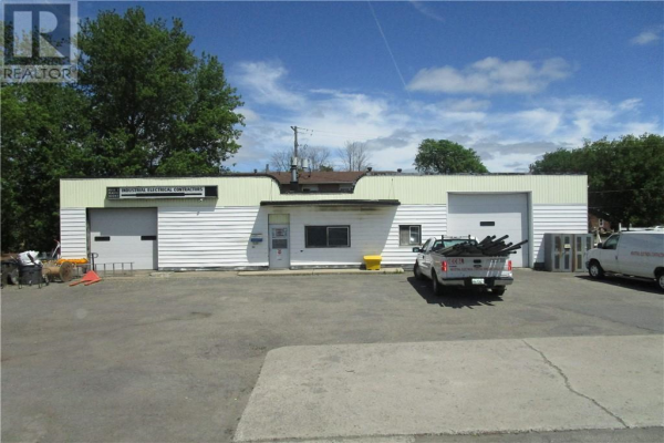 185 NORTH AUGUSTA ROAD, Brockville