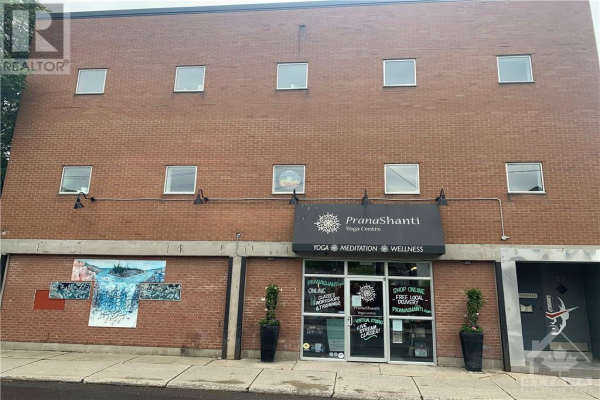 52 ARMSTRONG STREET, Ottawa