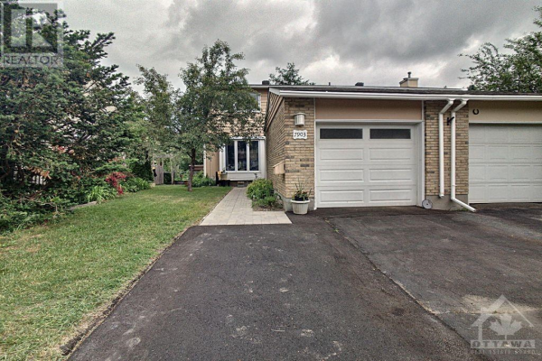 7903 DECARIE DRIVE, Orleans