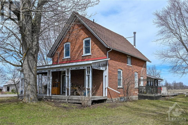 493 COUNTY ROAD 17 ROAD, Smiths Falls