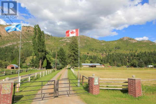 4254 YELLOWHEAD HIGHWAY S, Barriere