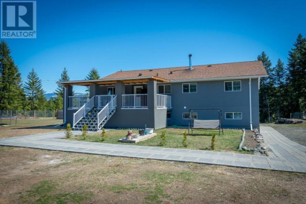 3116 BARRIERE LAKES ROAD, Barriere