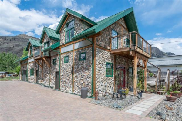 2626 MIDDLE BENCH Road,, Keremeos