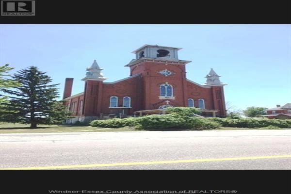 7119 TECUMSEH ROAD, Lakeshore