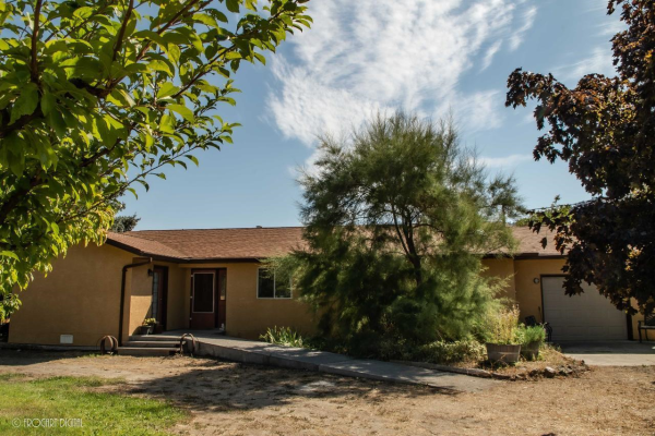 235 GREASEWOOD Avenue,, Oliver
