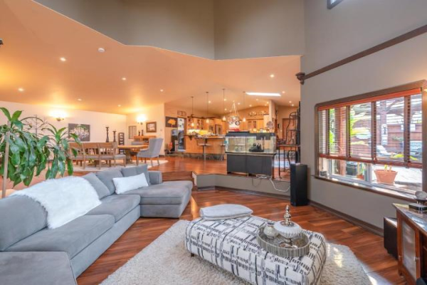 335 MIDDLE BENCH Road,, Penticton