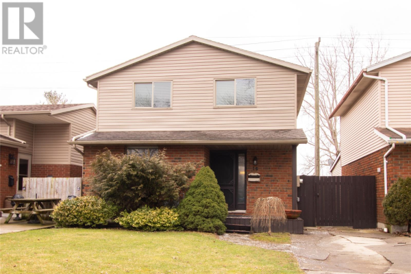 16 COPPERFIELD CRESCENT, Chatham