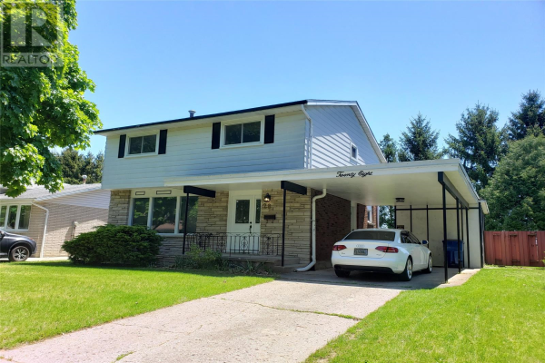 28 Finch Ave, Chatham
