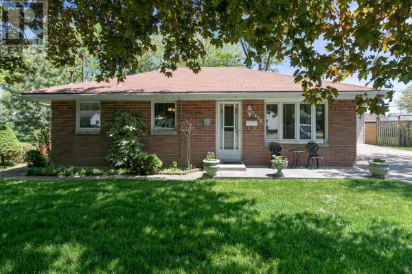 3876 BYNG, Windsor