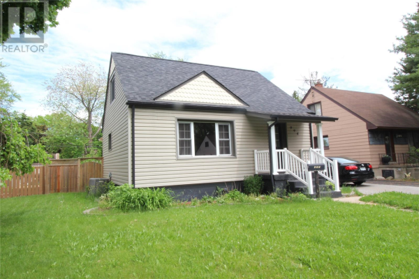 994 Merritt AVENUE, Windsor