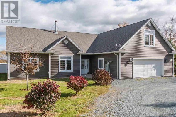 611 Myra Road, Porters Lake