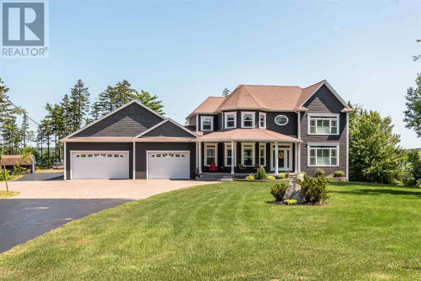 220 Falcourt Run, Tantallon