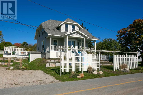 287 Indian Point Road, Mahone Bay