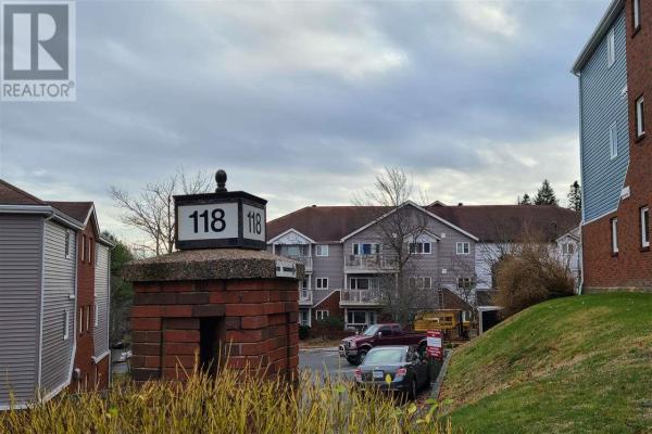 204 118 Farnham Gate Road, Halifax