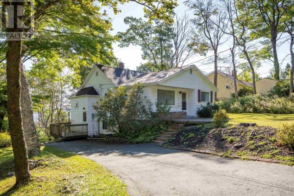 10 Lodge Drive, Halifax