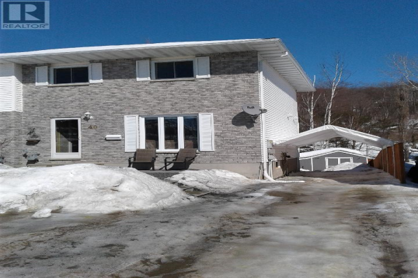 40 LaChance Place, Elliot Lake