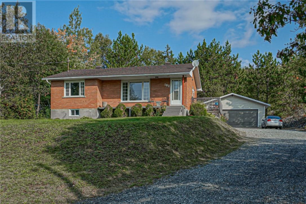 102 Birch Hill Road, Sudbury