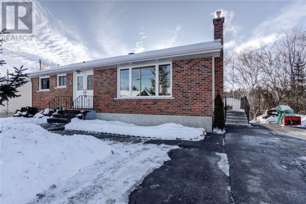 10 Lakeview Avenue, Onaping